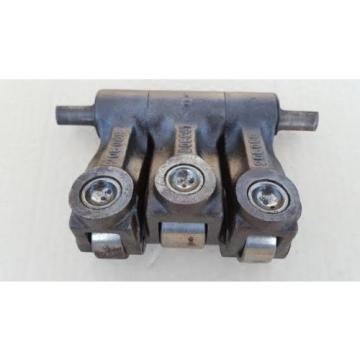 CUMMINS CAM FOLLOWER ASSEMBLY - USED - KT(A)19 / KT(A) 1150 ENGINES